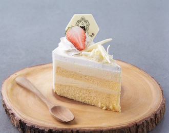 White Chocolate Mousse Cake 118.-
